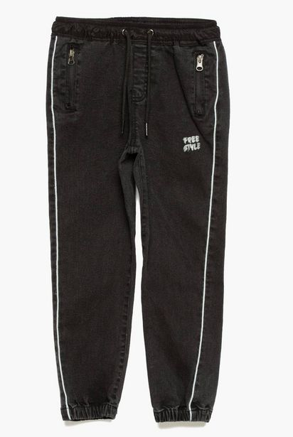 Oferta de Jeans jogger Niño por $7,99